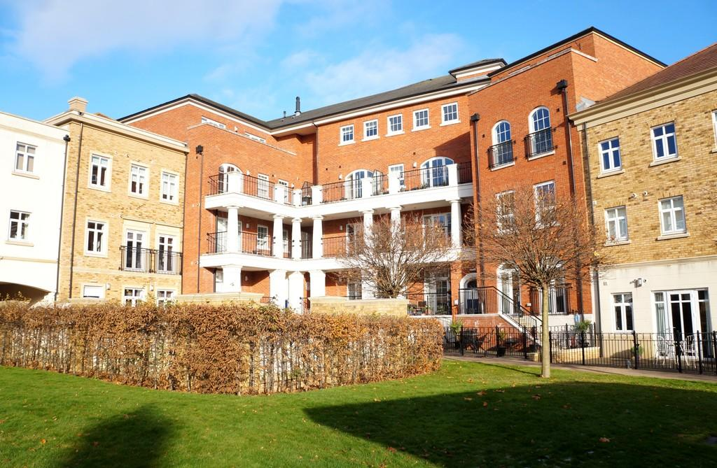 2 Bedrooms Apartment Flat for sale in Sovereign House, Dickens Heath