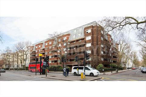 Studio to rent - Cromwell Road, London