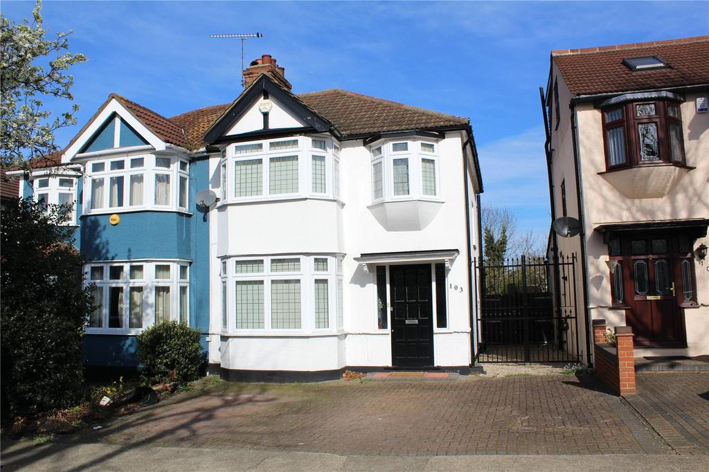 3 Bedrooms Semi Detached House for sale in Carlton Road, Gidea Park, RM2