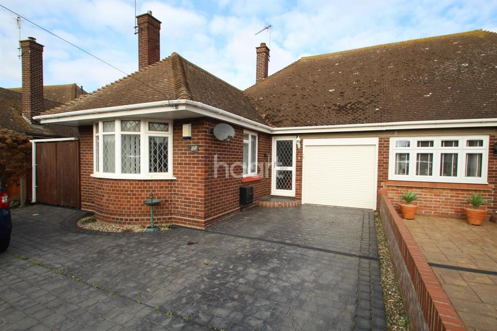 3 Bedrooms Bungalow for sale in Gainsford Avenue