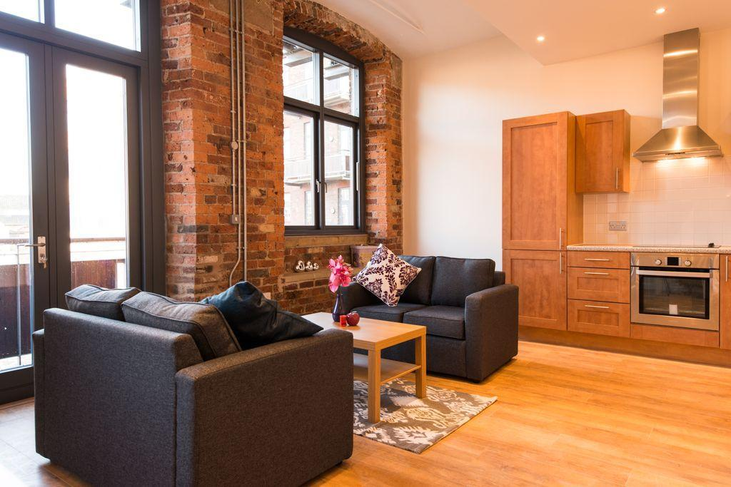 2 Bedrooms Flat for rent in Worsted House, East Street Mills, East Street, Leeds, LS9
