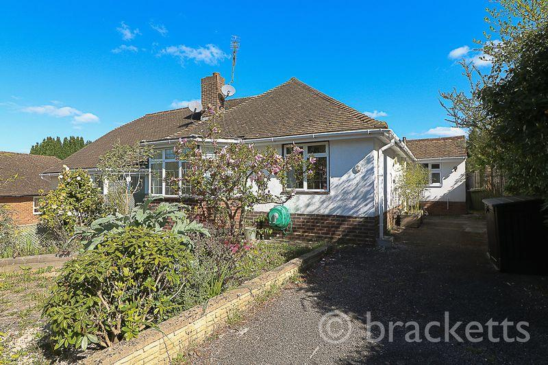 3 Bedrooms Semi Detached Bungalow for sale in Sussex Close, Tunbridge Wells