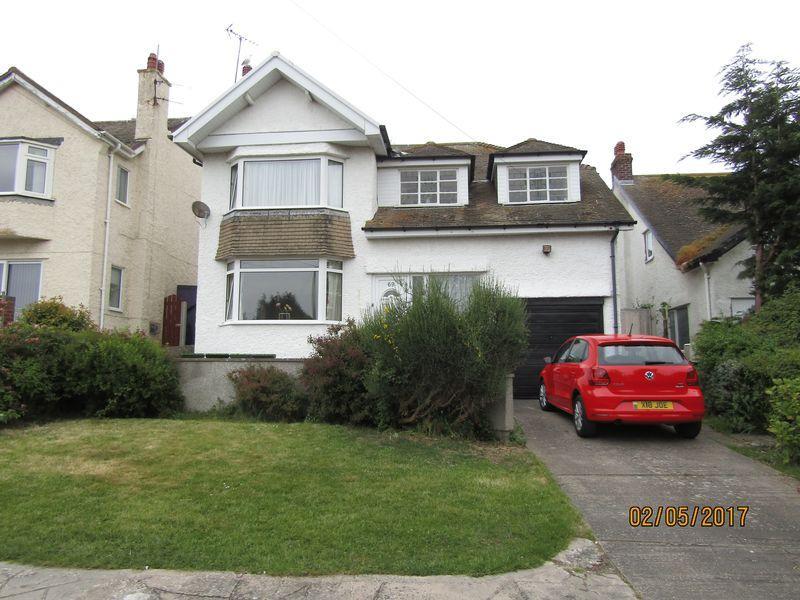 4 Bedrooms Detached House for sale in Llandudno Road, Penrhyn Bay