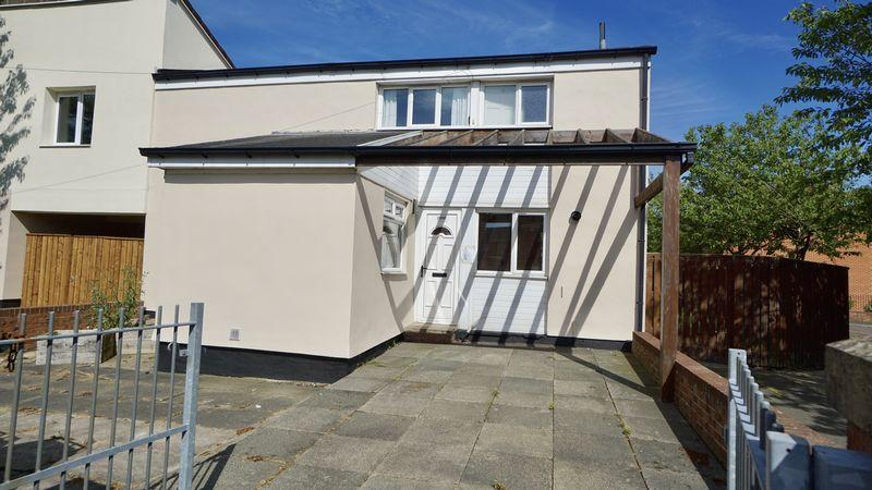 2 Bedrooms Semi Detached House for sale in STONELEIGH AVENUE, Longbenton