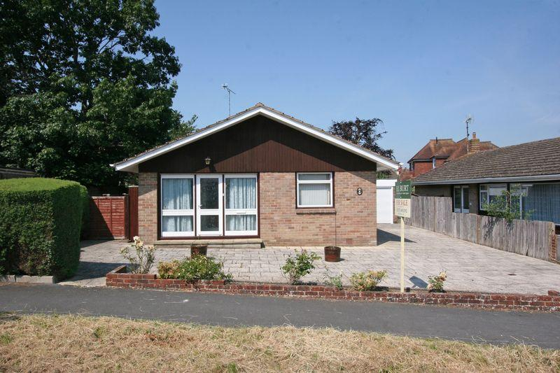 3 Bedrooms Detached Bungalow for sale in ***REDUCED*** Furners Mead, Henfield