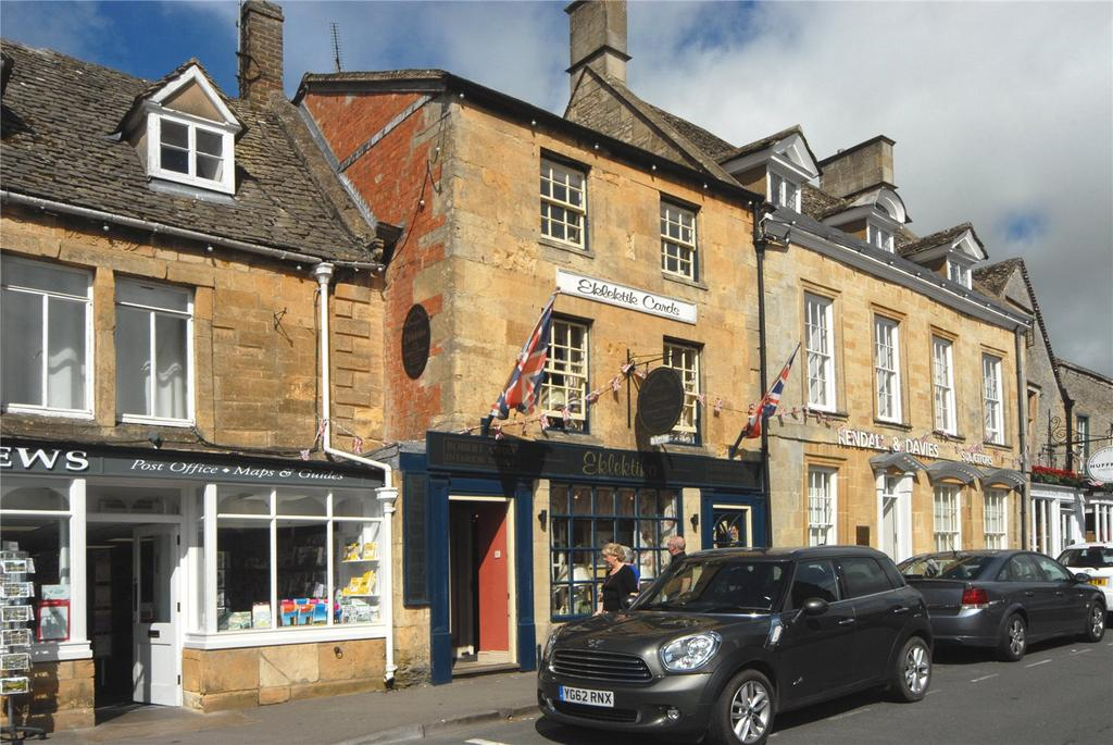 2 Bedrooms Terraced House for sale in The Square, Stow-On-The-Wold, Cheltenham, Gloucestershire, GL54