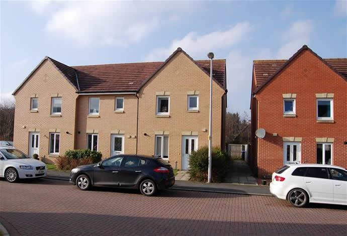 3 Bedrooms Terraced House for sale in 27 Kittlegairy Road, Peebles, EH45 9LX