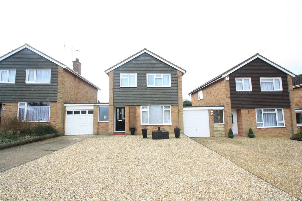 3 Bedrooms Detached House for sale in Severn Way, Bletchley, Milton Keynes