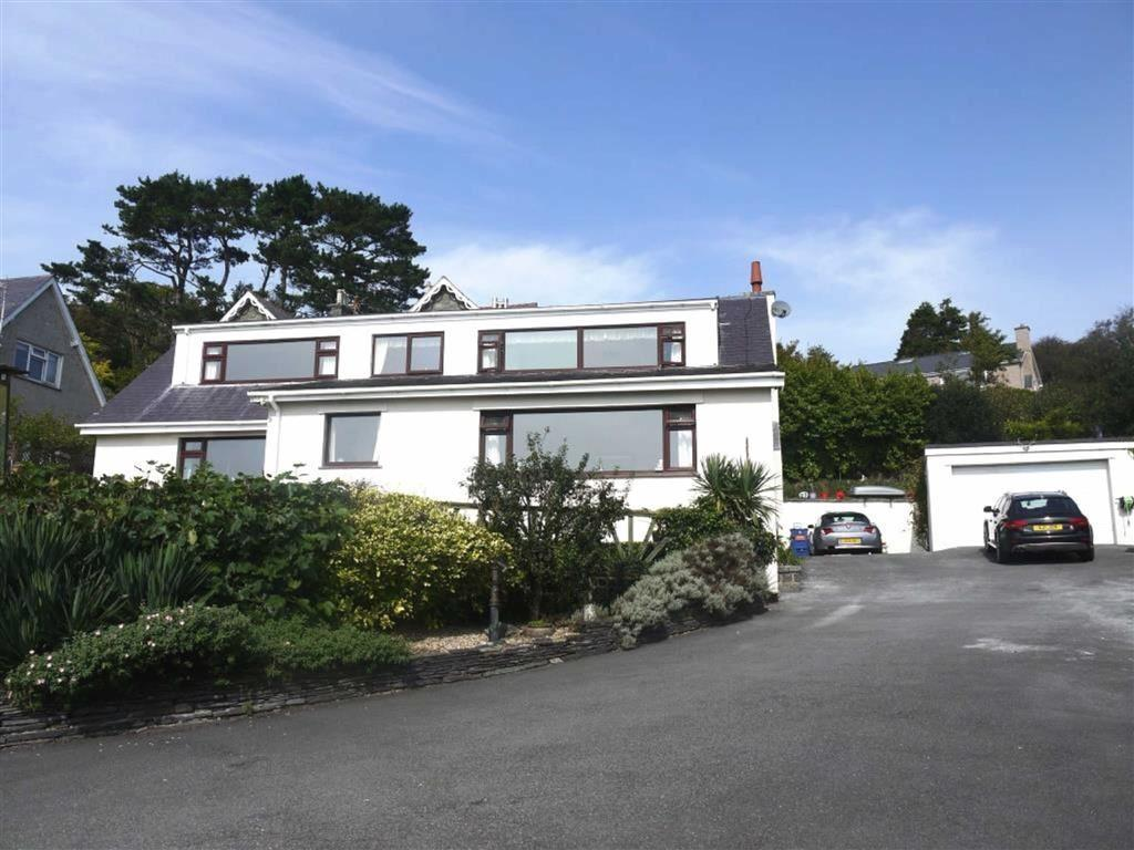 5 Bedrooms Detached House for sale in Linden Lea, Criccieth