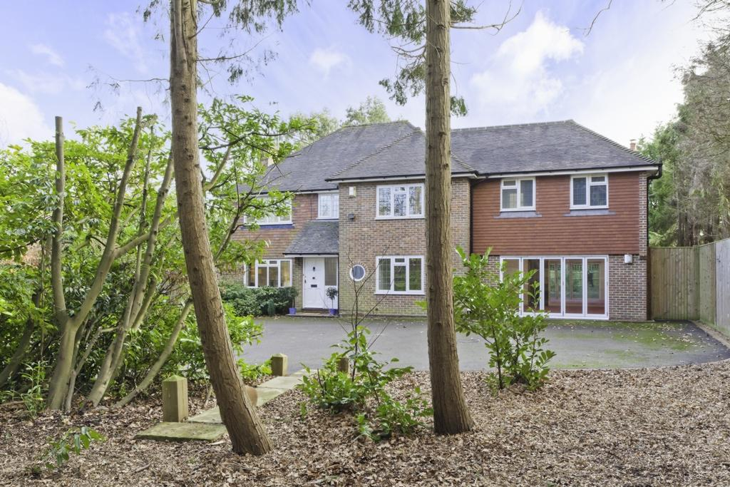 5 Bedrooms House for sale in Lewes Road, Haywards Heath, RH17