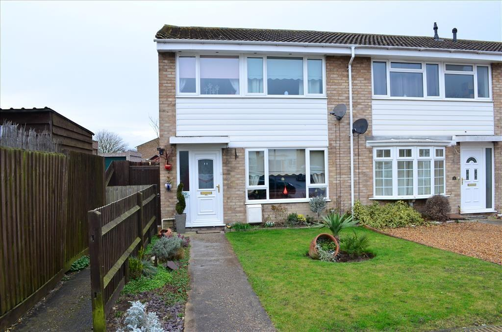 3 Bedrooms End Of Terrace House for sale in Eliot Road, Royston, SG8