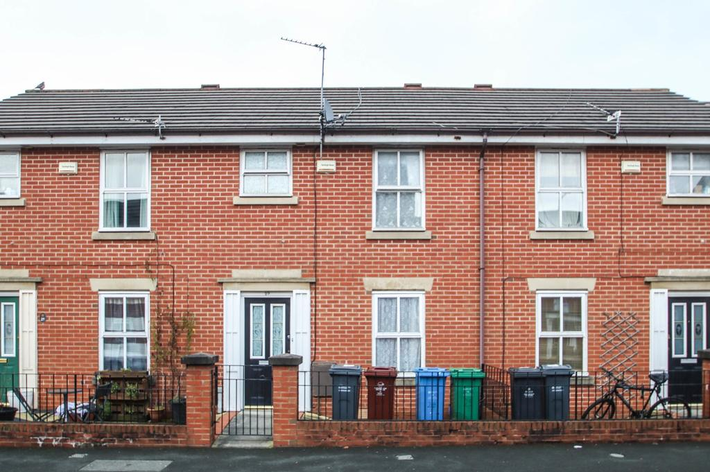 3 Bedrooms Terraced House for sale in Heron Street, Hulme, Manchester, M15