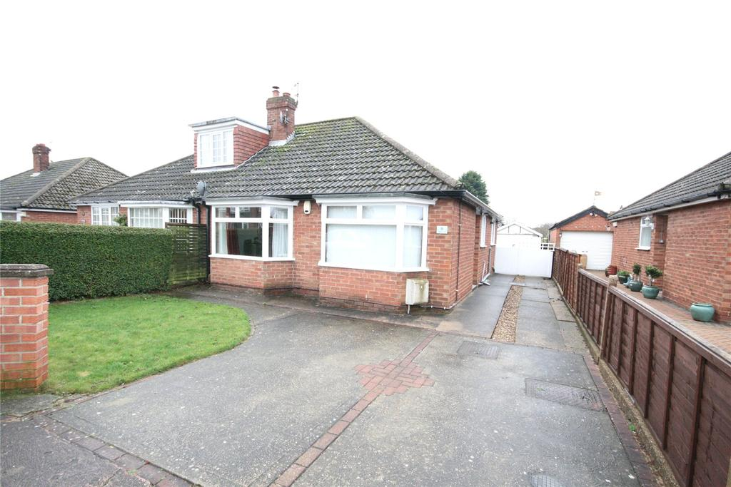 2 Bedrooms Semi Detached Bungalow for sale in West Lea, Scartho, DN33