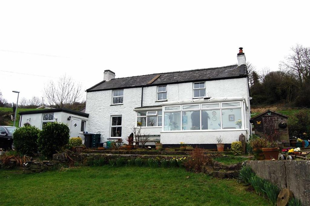 3 Bedrooms Detached House for sale in Nant Y Gamar Road, Craig Y Don, Llandudno, Conwy