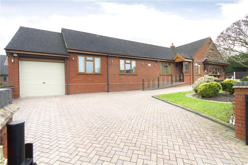 3 Bedrooms Detached Bungalow for sale in Foredraught Lane, Tibberton, Droitwich, Worcestershire, WR9