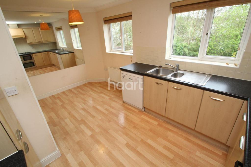 3 Bedrooms Semi Detached House for sale in Wordsworth Gardens, Borehamwood