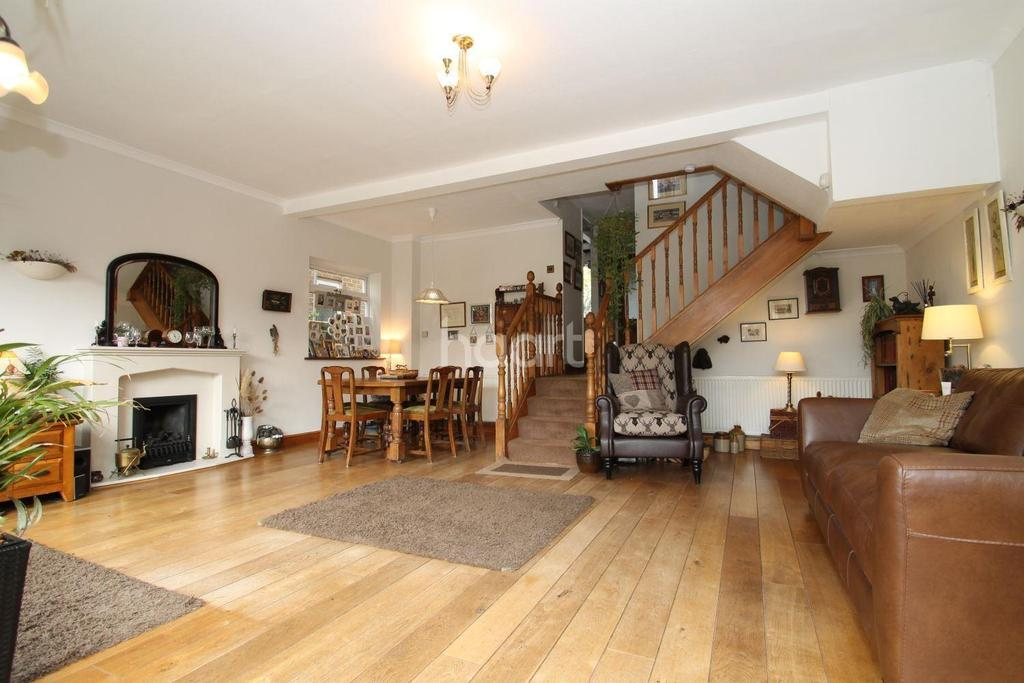 4 Bedrooms Detached House for sale in Hillcrest Road, Biggin Hill