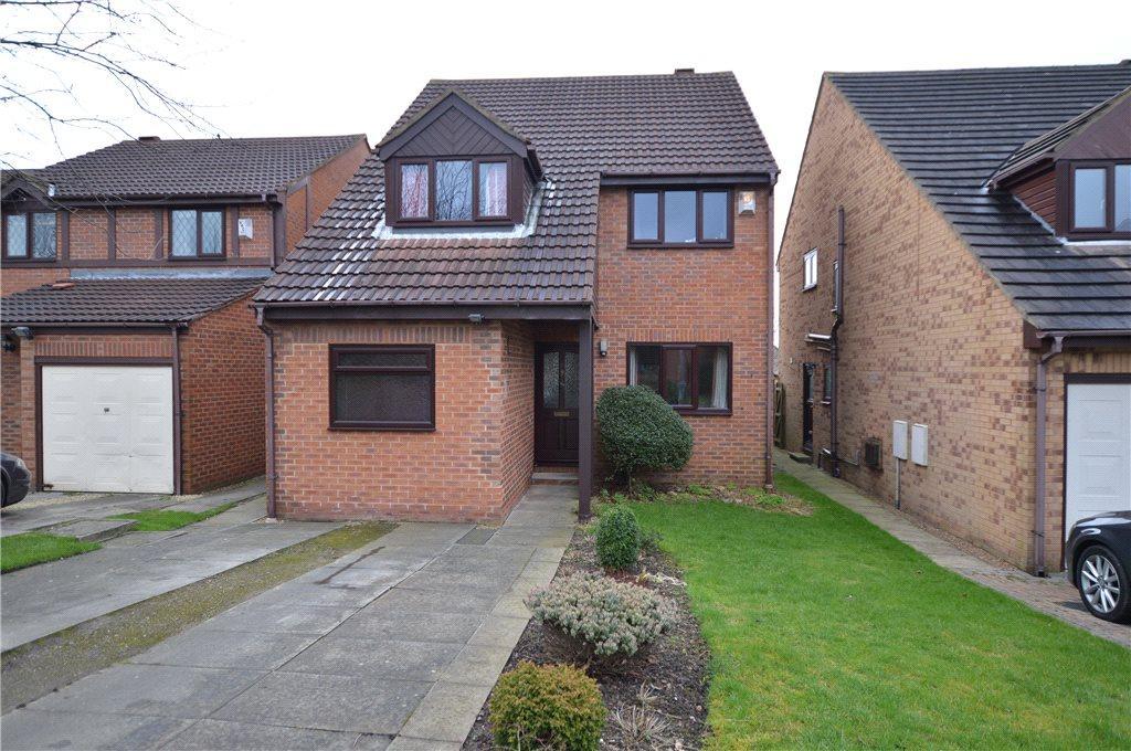4 Bedrooms Detached House for sale in Bramble Walk, Birstall, Batley