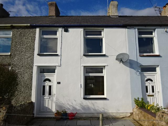 3 Bedrooms Terraced House for sale in CAE RHOS TERRACE, SEION LL55