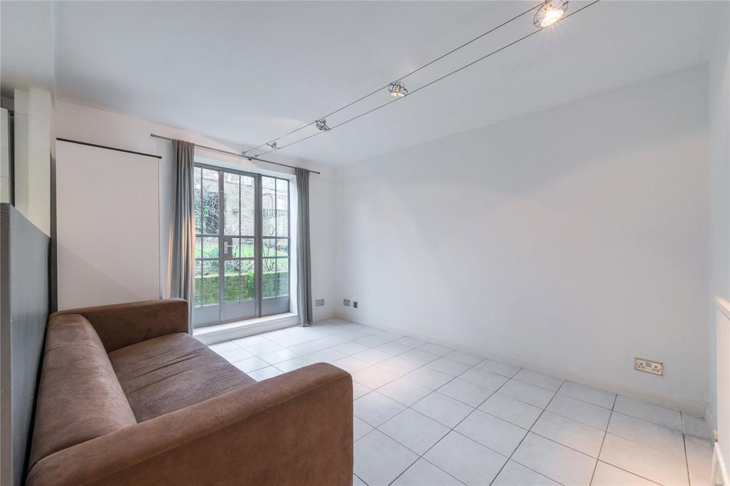 1 Bedroom Flat for sale in The Limes, Highbury Grove, London