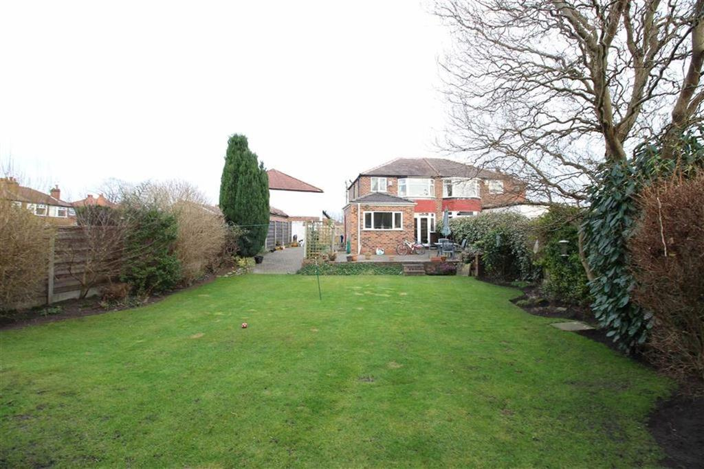 3 Bedrooms Semi Detached House for sale in Pollen Close, Sale