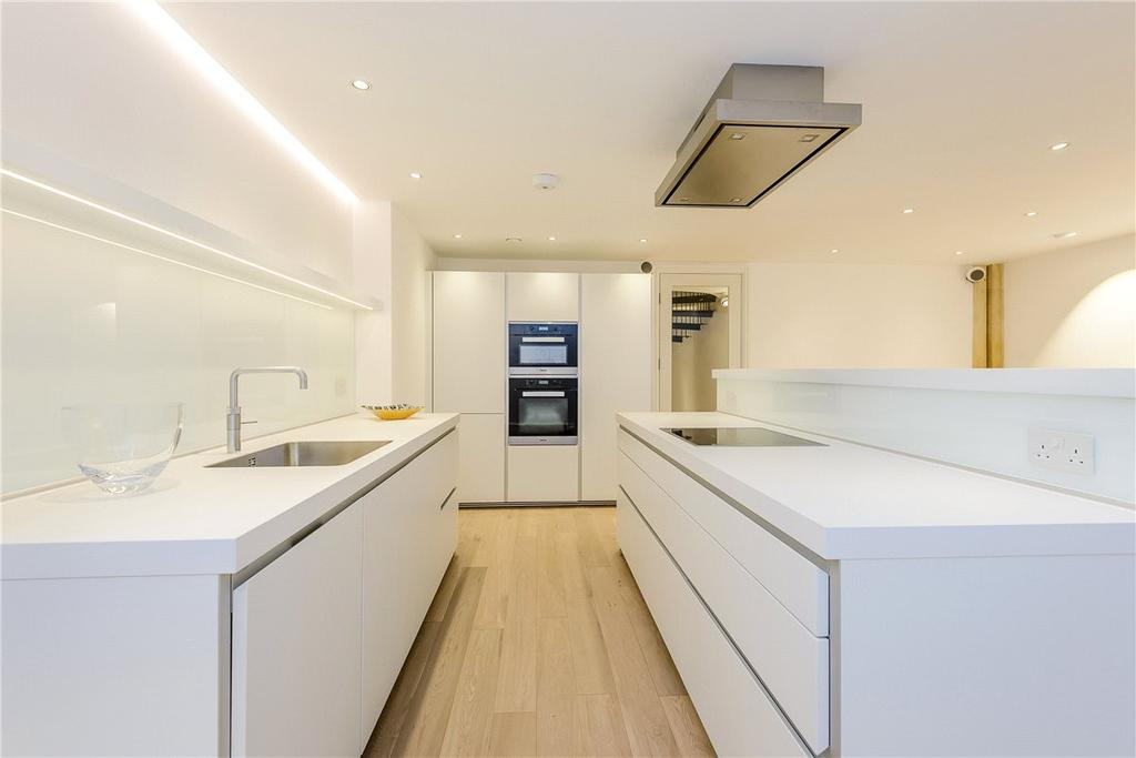 2 Bedrooms House for sale in Southgate Street, Winchester, Hampshire, SO23