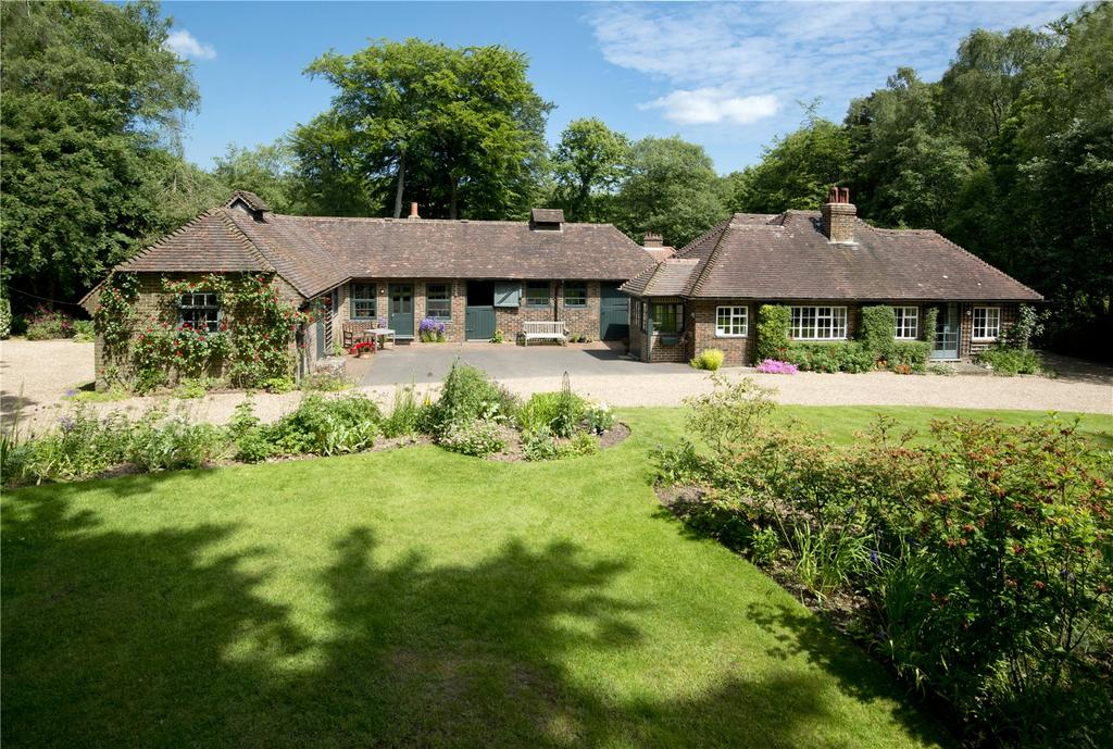 3 Bedrooms Equestrian Facility Character Property for sale in Sevenoaks Road, Seal Chart, Sevenoaks, Kent