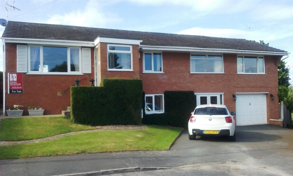 4 Bedrooms Detached House for sale in Pont Adam Crescent, Ruabon, Wrexham