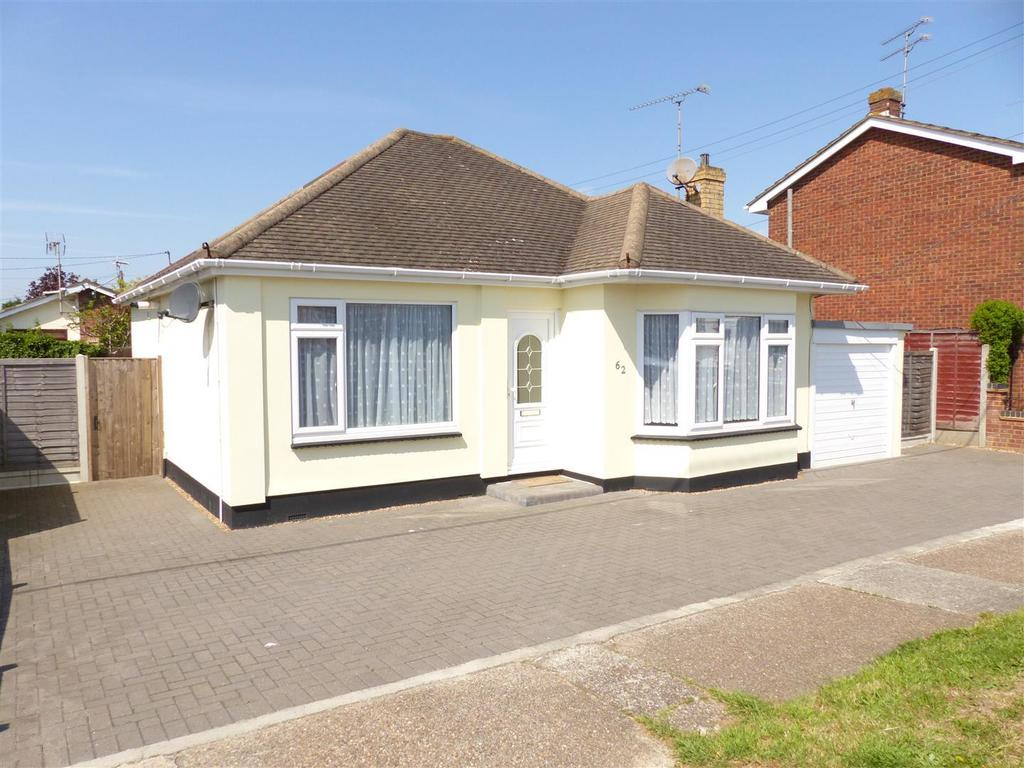 3 Bedrooms Detached Bungalow for sale in Margraten Avenue, Canvey Island