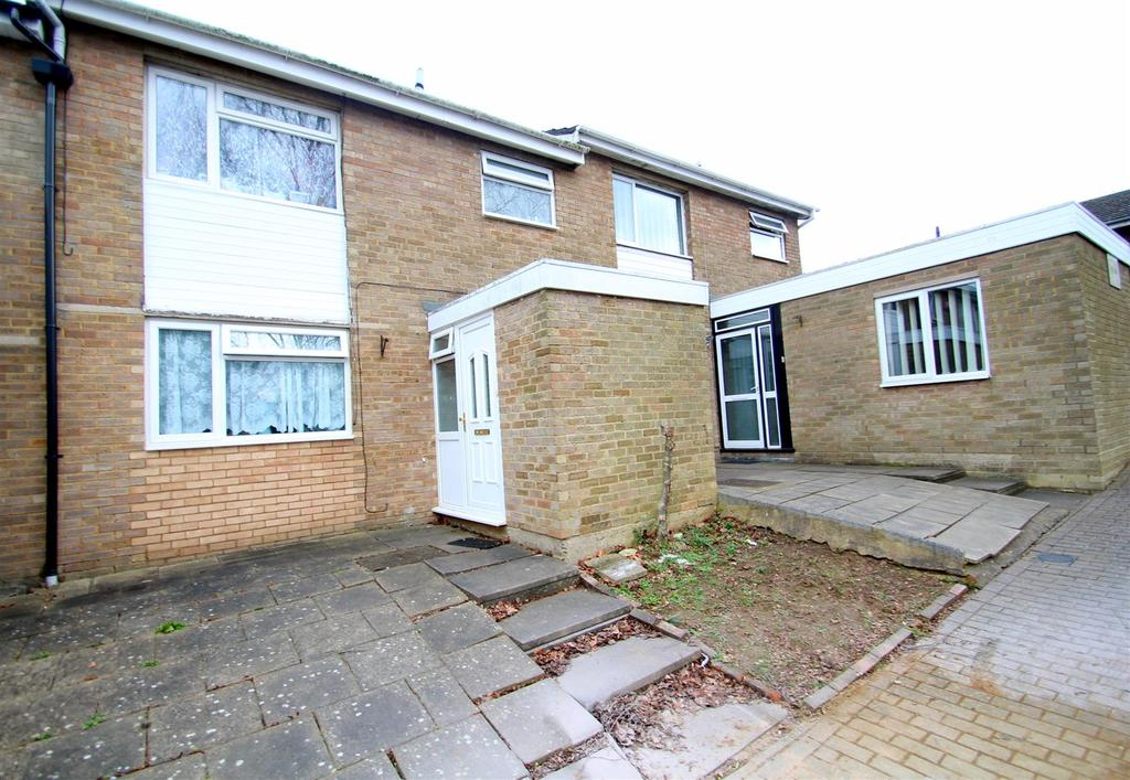 3 Bedrooms Terraced House for sale in Malletts Close, Milton Keynes