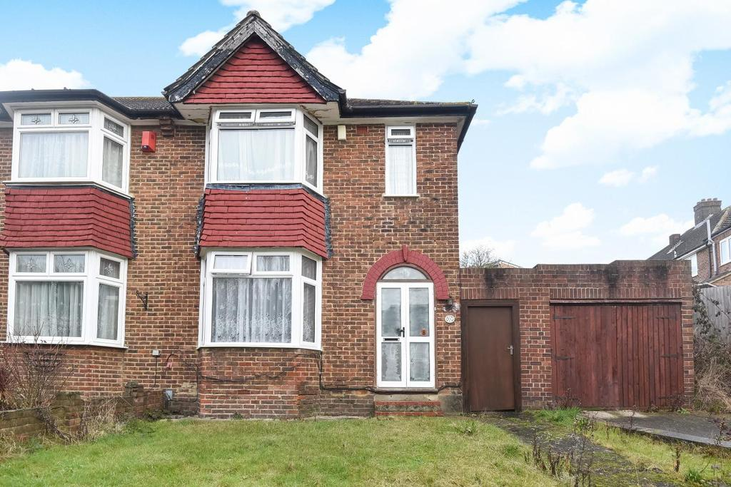 3 Bedrooms Semi Detached House for sale in South Park Crescent, Catford, SE6