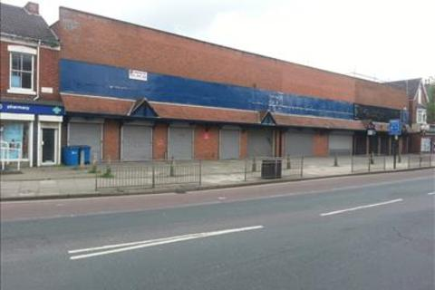Shop to rent - 458-462 Holderness Road, Hull, East Yorkshire