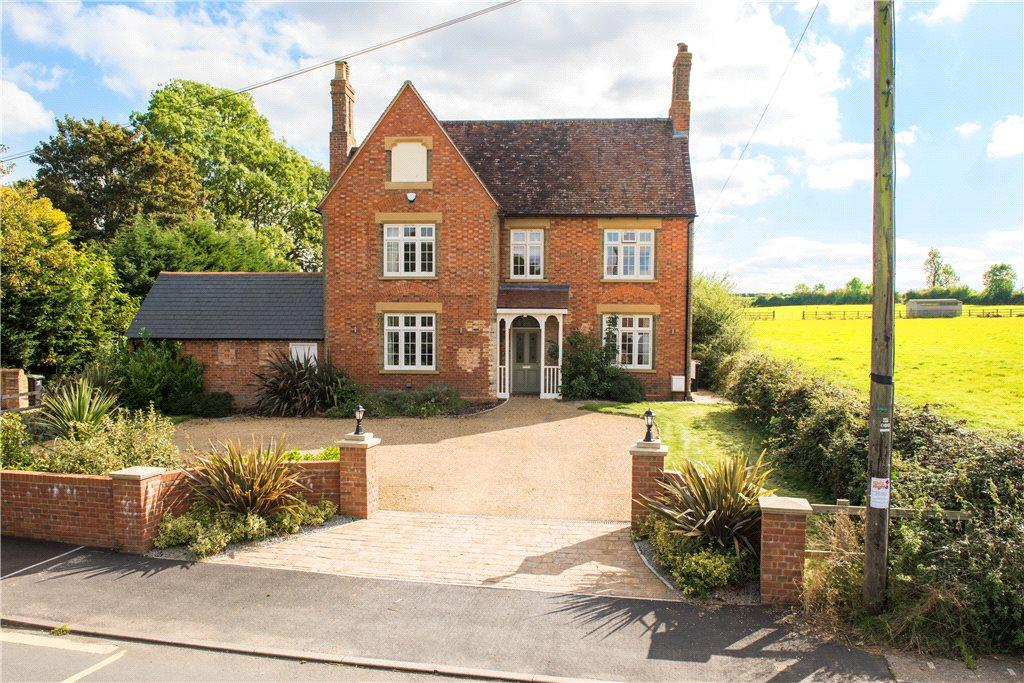 5 Bedrooms Unique Property for sale in High Street, Riseley, Bedfordshire
