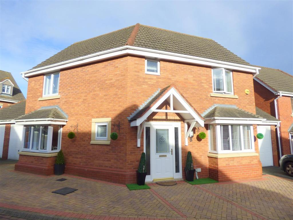 3 Bedrooms Detached House for sale in 8 Yeoman Drive, Beverley, East Yorkshire, HU17 8FG