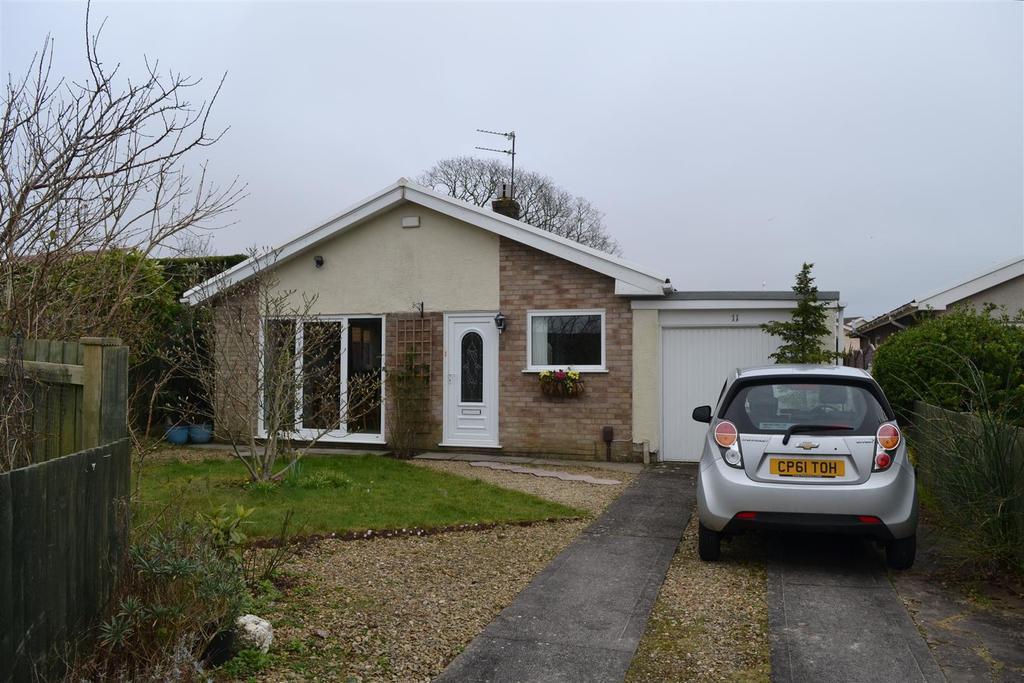 3 Bedrooms Detached Bungalow for sale in Ffordd Bryngwyn, Garden Village, Swansea