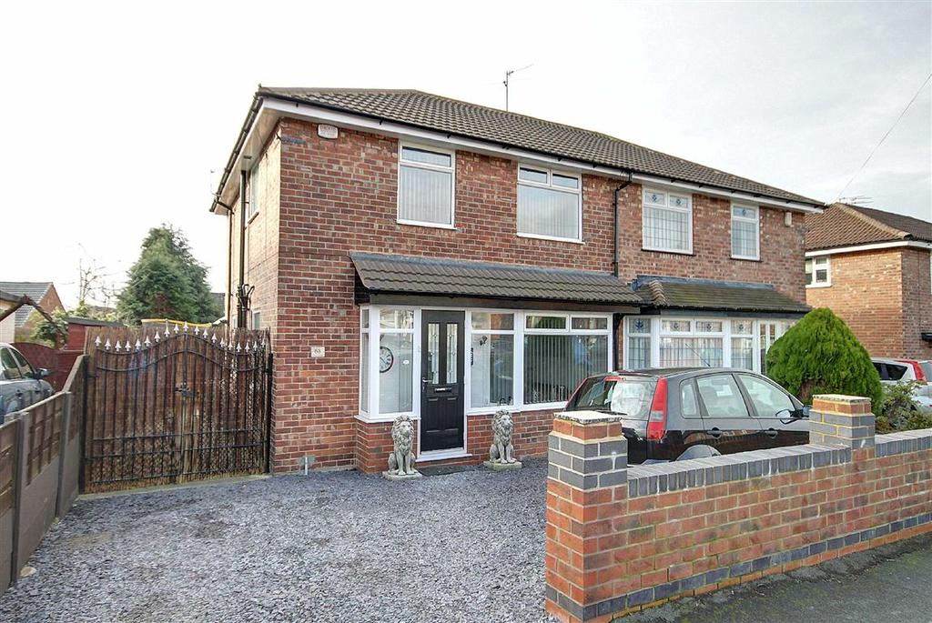 3 Bedrooms Semi Detached House for sale in Clover Road, Timperley, Cheshire