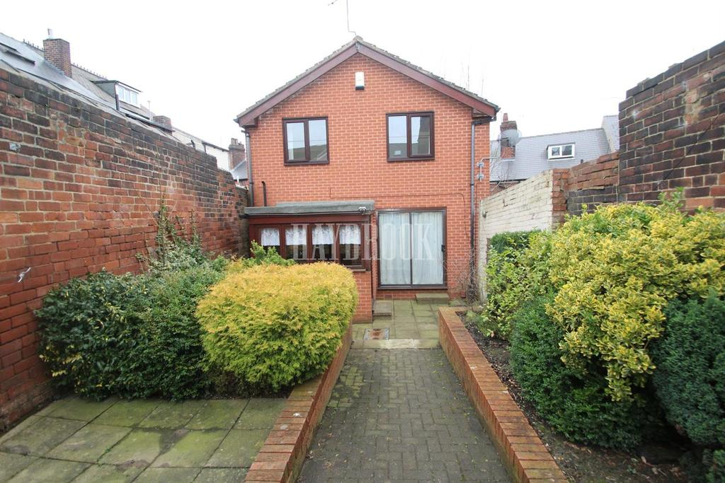 2 Bedrooms Detached House for sale in Shirley Road, Pitsmoor