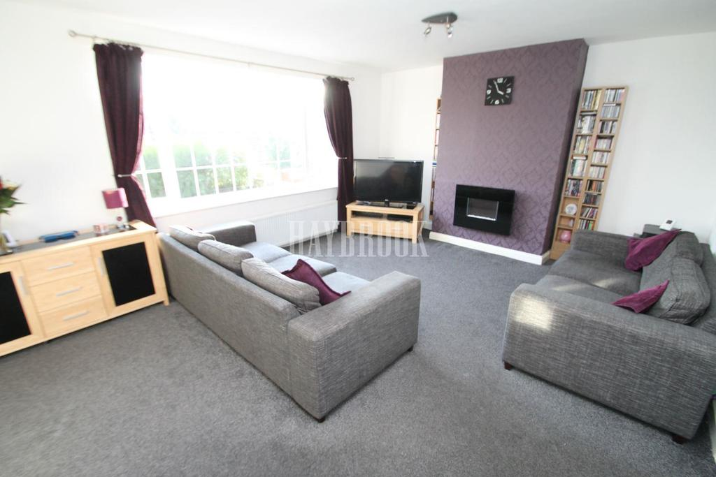 3 Bedrooms Semi Detached House for sale in Rockcliffe Road, Rawmarsh, Rotherham
