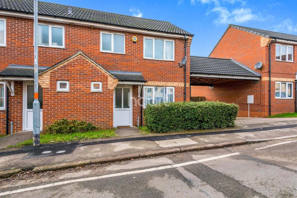 3 Bedrooms Semi Detached House for sale in Brook Street West