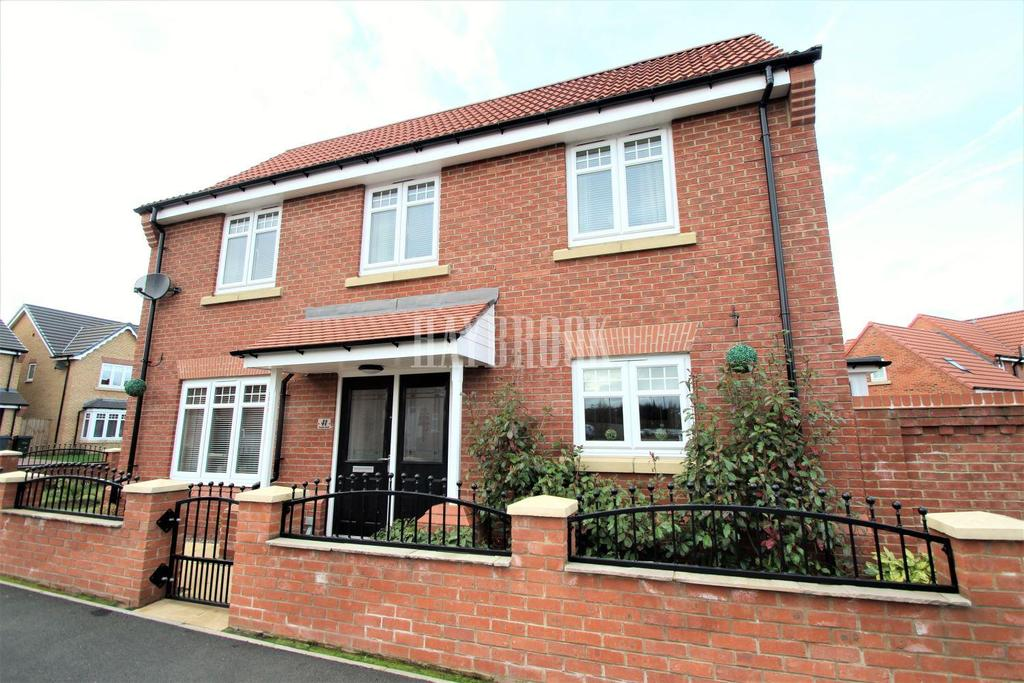 4 Bedrooms Detached House for sale in Fenlake Walk, Wath-upon-dearne