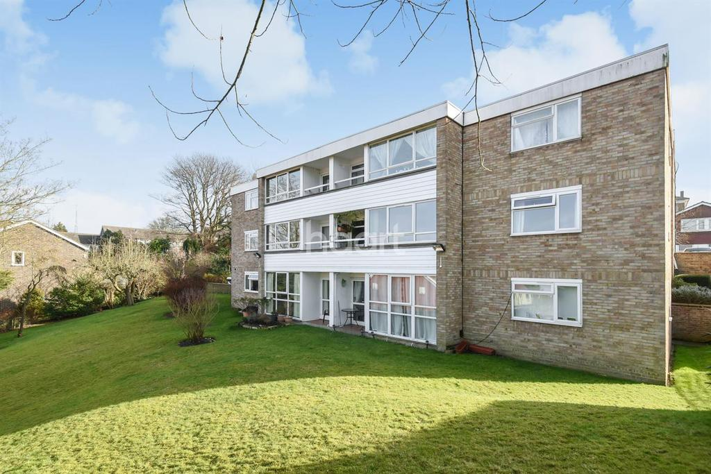 2 Bedrooms Flat for sale in Effra Court, Crystal Palace SE19