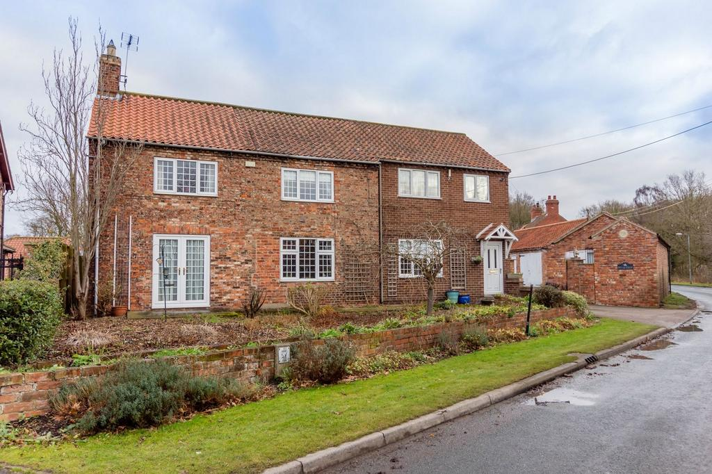 4 Bedrooms Detached House for sale in Pond View, Skipwith, SELBY, North Yorkshire