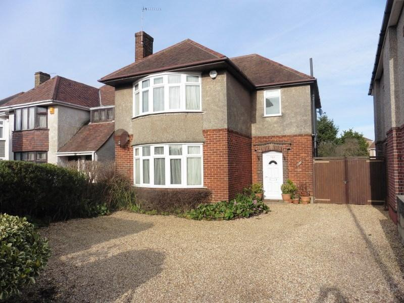 3 Bedrooms Detached House for sale in Castle Lane West, Bournemouth