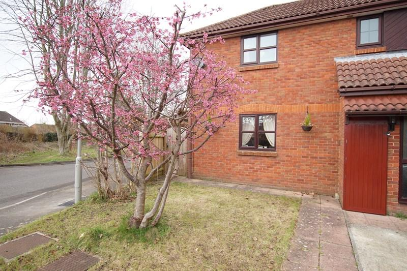 2 Bedrooms Terraced House for sale in Old Farm Gardens, Blandford Forum