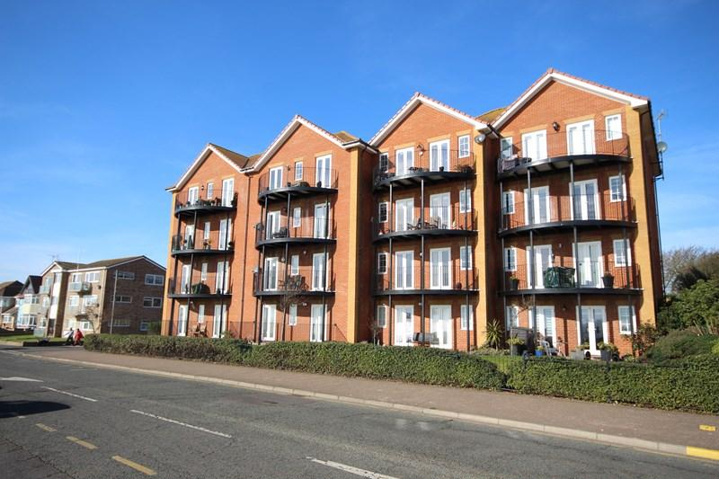 2 Bedrooms Apartment Flat for sale in Nelson Road, Clacton-On-Sea