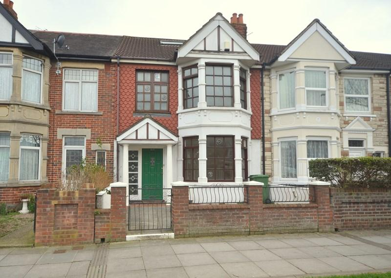 3 Bedrooms Terraced House for sale in Copnor Road, Portsmouth