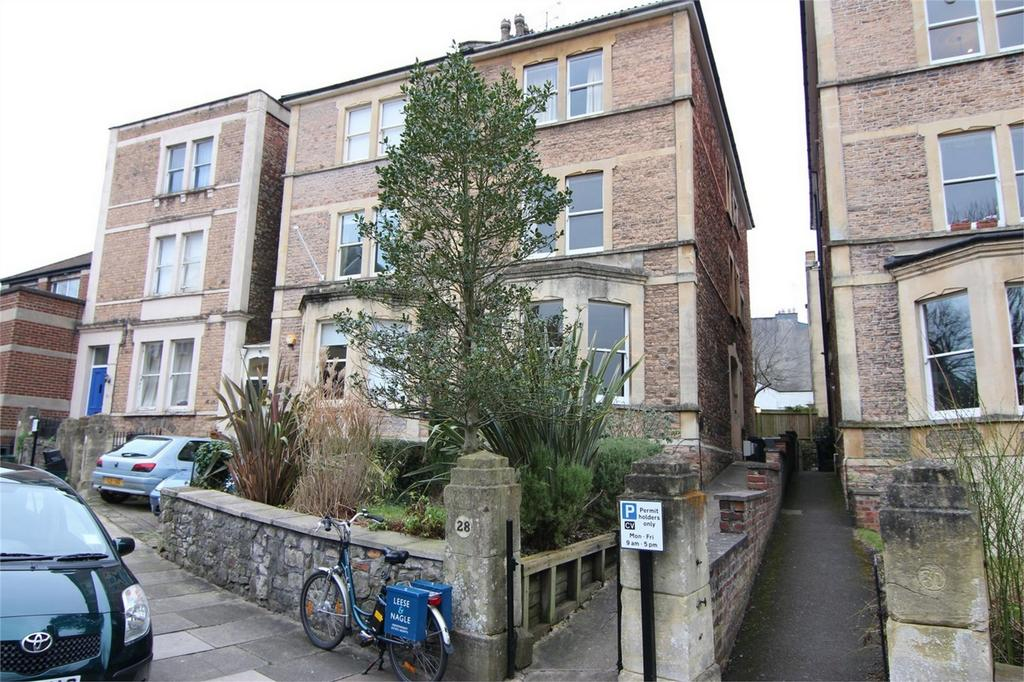 2 Bedrooms Flat for sale in Clifton Park Road, Clifton, Bristol