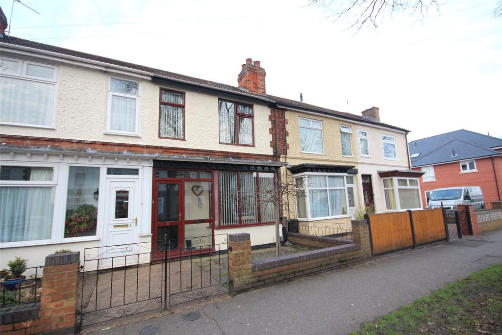 3 Bedrooms Semi Detached House for sale in Church Drive, Lincoln, LN6