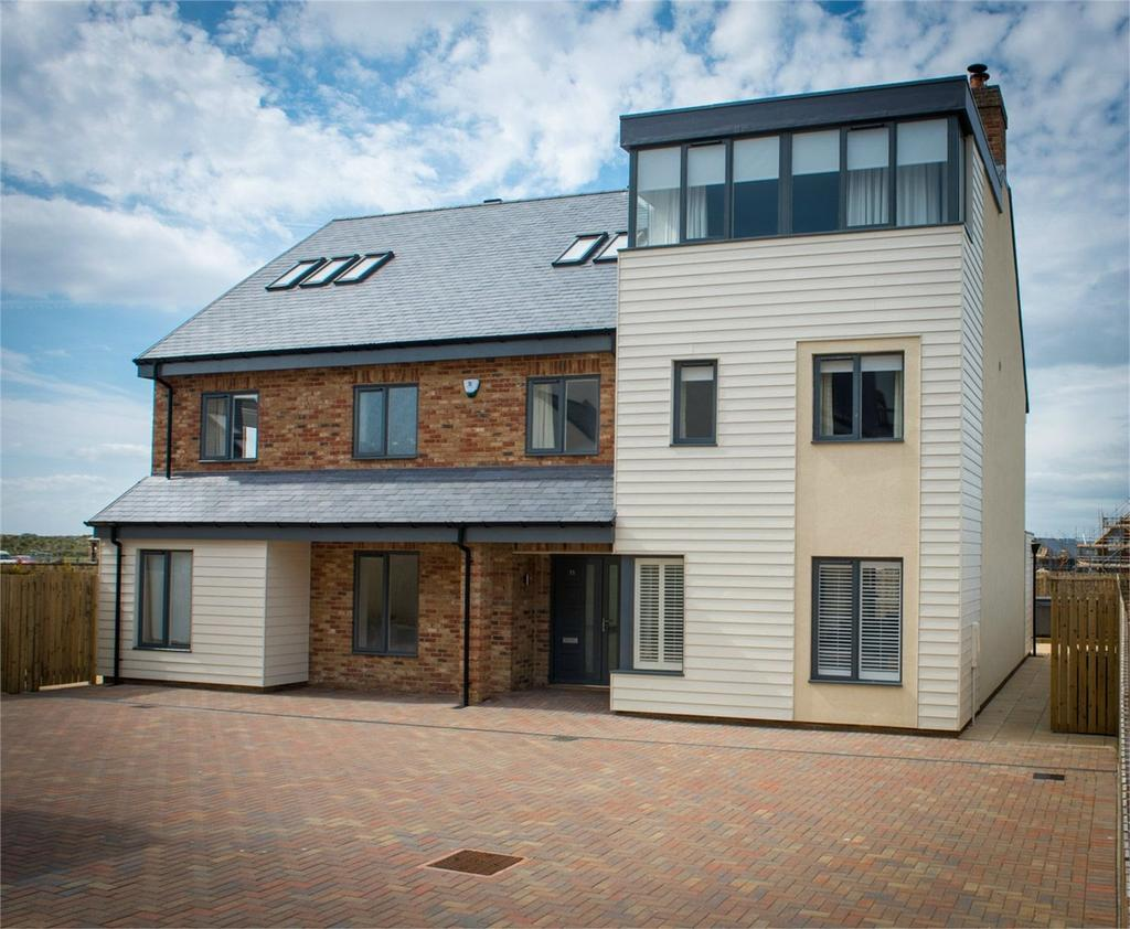 6 Bedrooms Detached House for sale in 11 Tamarin Close, Beadnell, Northumberland