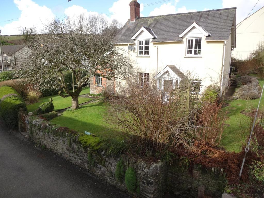 3 Bedrooms Detached House for sale in Brayford, Barnstaple